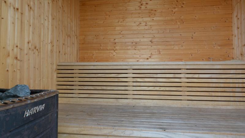 Sauna med brændeovn
