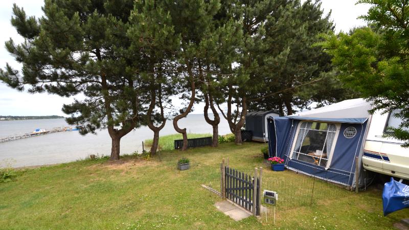 Fastligger plads campingvogn / sæsonplads
